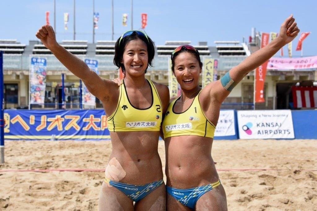 第30回ビーチ全日本女子優勝の内田さん(右)